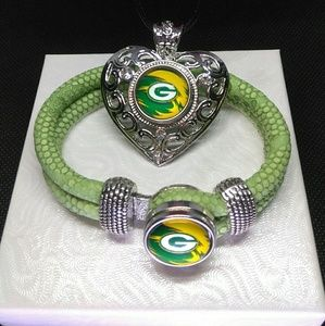 Green Bay Packers Necklace and Bracelet Set